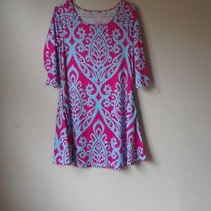 Women's dress size medium.